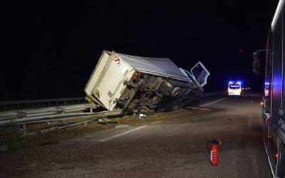 073 – 05.06.2017 – Verkehrsunfall LKW mit klein Bus – A 6