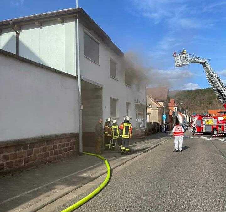 064 – 03.04.2021 – Wohnungsbrand – Bruchmühlbach
